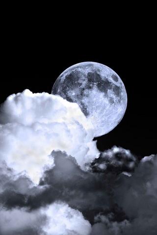 Темний місяць