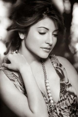 Anushka Sharma (13)