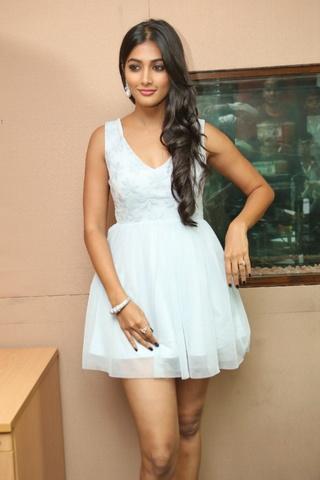 Cute Girl Pooja Hegde