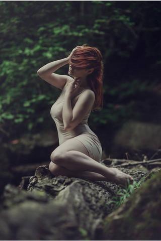 沈黙の女の子