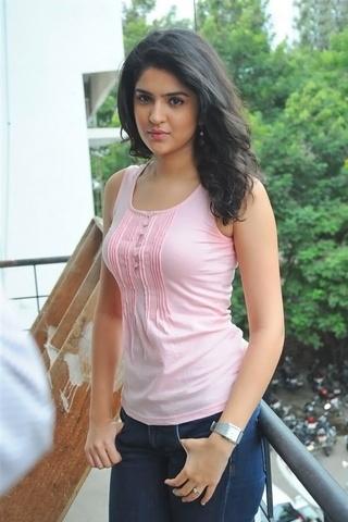 Cute Deeksha Seth