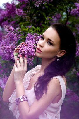 Menina lilás