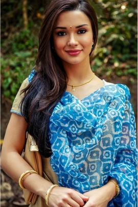 Gethu Actress In Blue Saree