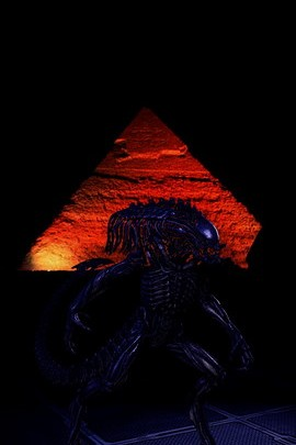 Alien And Pyramids