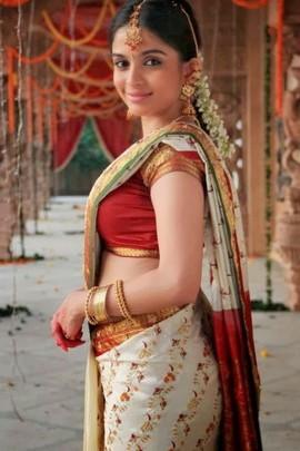 Actress Sheena Shahabadi