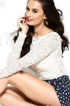 Evelyn Sharma Cute