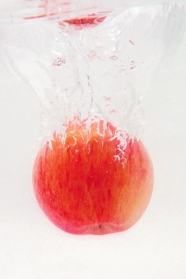 Red Apple Water Splash