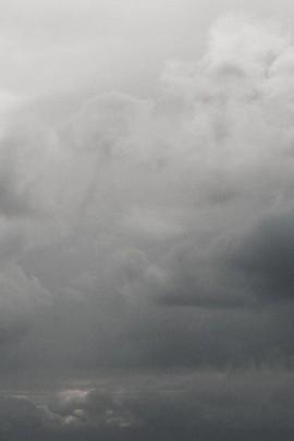 Indo para o céu da chuva