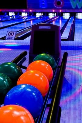 Club Bowling Balls 79945 720x1280
