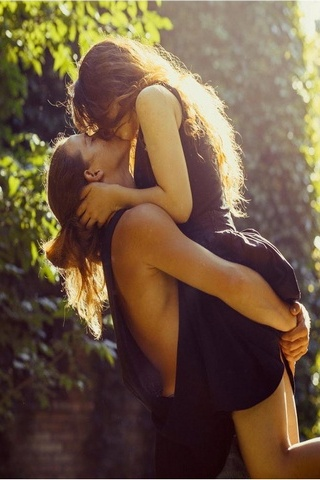 Hot Kissing Couple