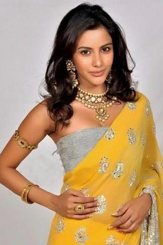 Cute Priya Anand