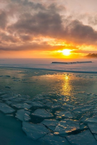 Sunrise At Frozen