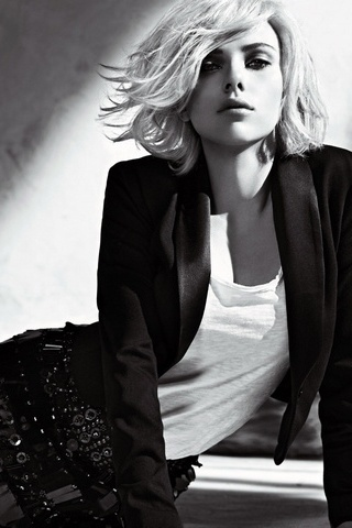 Blonde Scarlet Johanson