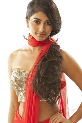 Cute Pooja Hegde