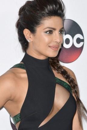 귀여운 Priyanka 초프라