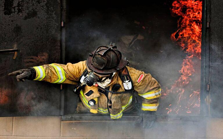 Sapeur Pompier Fond D Ecran Telecharger Sur Votre Mobile Depuis Phoneky