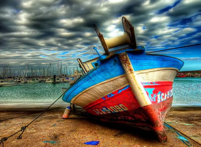 Con tàu cũ