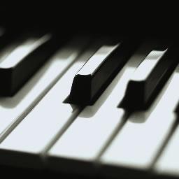 Piano-Tujhe
