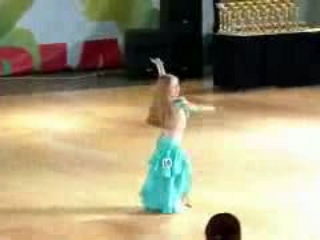 Little Girl Beautiful Belly Dance