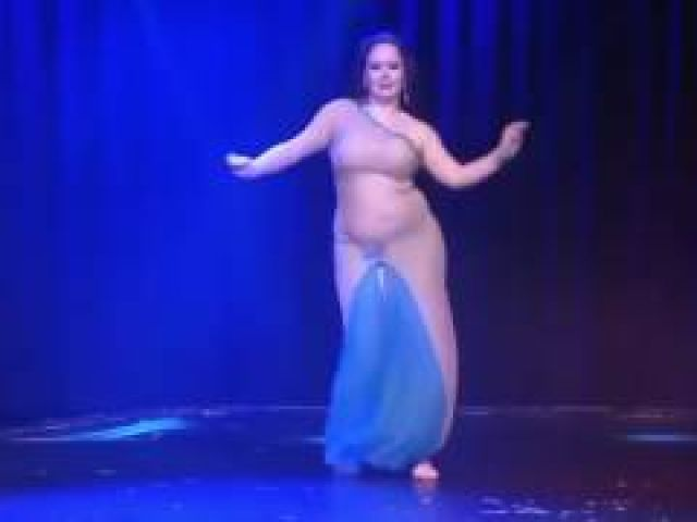 Fat lady Belly Dance - This Girl is insane!