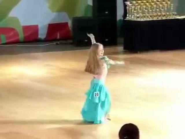Little Girl Beautiful Belly Dance