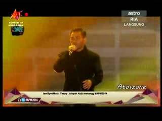 Siti Nurhaliza ft Judika- Apakah Ini Cinta (APM 2014)