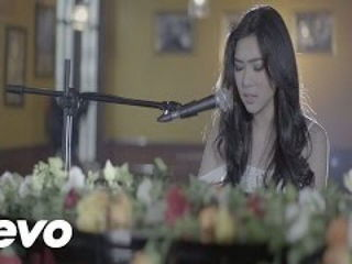 Isyana Sarasvati - Tetap Dalam Jiwa Official Music Video