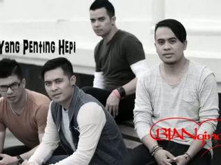 Bian Gindas - Yang Penting Hepi (Lyric Video)