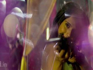 Pyar Mein Dil Pe Maar De Goli Video Song (Tamanchey) HD (640x360)(freehd.in)