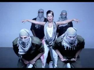 Hard Kaur feat D12 'Desi Dance