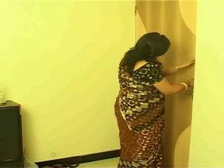 Extramarital Affair - Rich Women Hire a Romance - Naeelaj - Matinee Masala