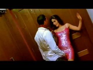 Bebo Main Bebo-Hottest Song of Kareena Kapoor ever