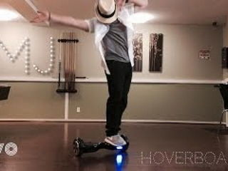 Michael Jackson Dancing on the Hoverboard