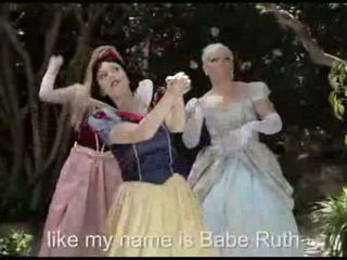 PRINCESS RAP BATTLE- SNOW WHITE VS. ELSA