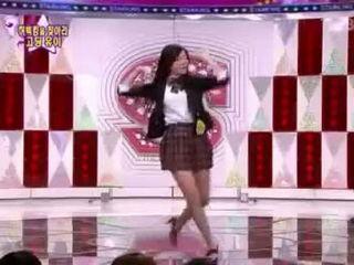 Jo Kwon & Boom - All the Single Ladies dance (Oct 17 09)