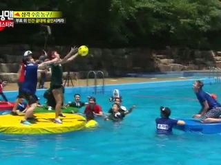 Running Man Jong Kok vs Moon Hee Jun vs Dong Hoon Funny