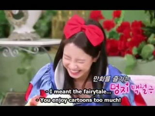 Song Ji Hyo as a funny Snow White