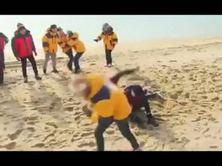 Song Ji Hyo challenge Kim Jong Kook to fight