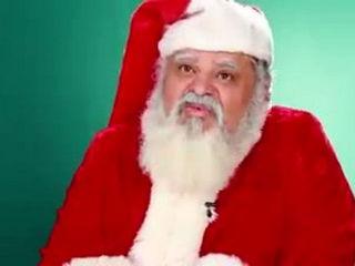 American Santas Try International Sweets