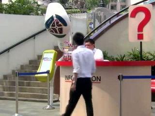 Receptionist Hypnotizes Himself