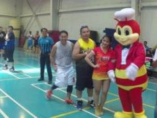 AJUAE Jollibee Running Man Challenge