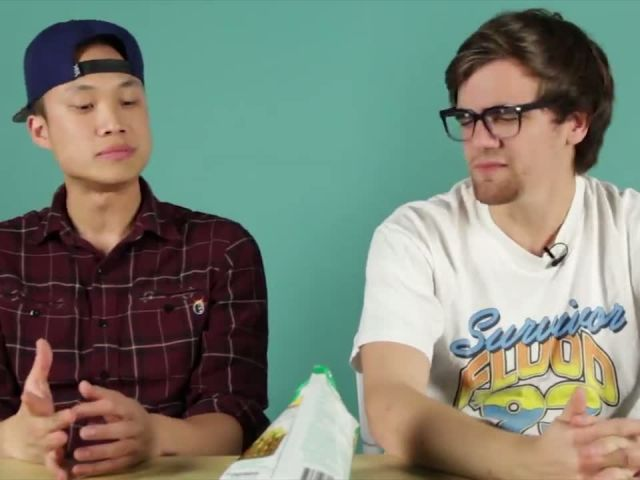 Americans Try Thai Chips For The First Time