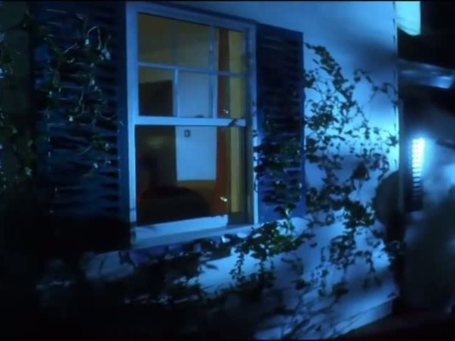 Hot Girl vs. Zombie - An AXE Halloween Horror Film