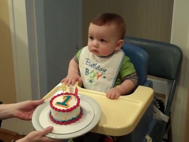 Ben 1st Time Eating Cake