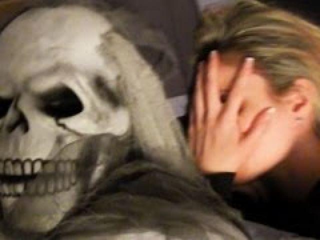 Halloween Ghost Scare Prank