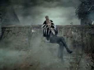 2NE1 - IT HURTS (아파) M-V