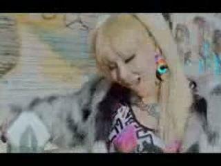 2NE1 - HAPPY M-V