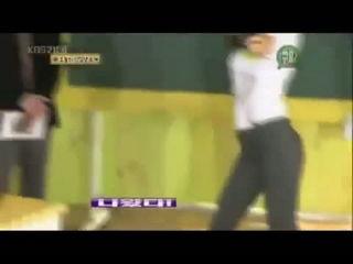Yuri Vs Min Dance (Hoot)