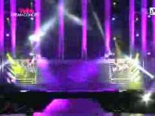 SNSD - Genie 2011 tour remix & Hoot @ Hallyu Dream Concert Oct 6