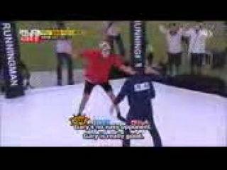 Running Man Kang Gary nametag tearing skills